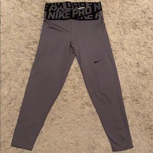 Women's Nike pro crop pants
